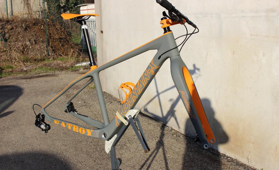 fat bike in costruzione .JPG