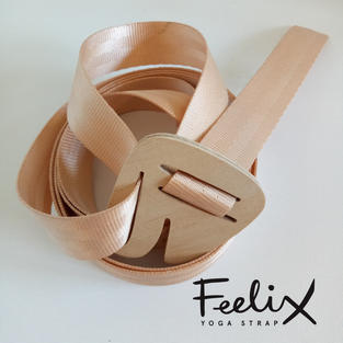 Feelix yoga strap, coiled