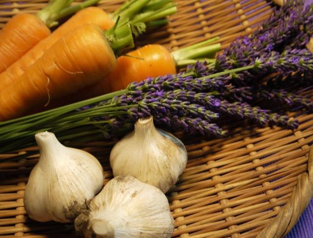 野菜とラベンダー.jpg
