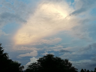 日暮れ前の空
