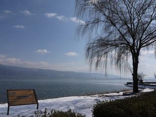 諏訪湖畔.jpg