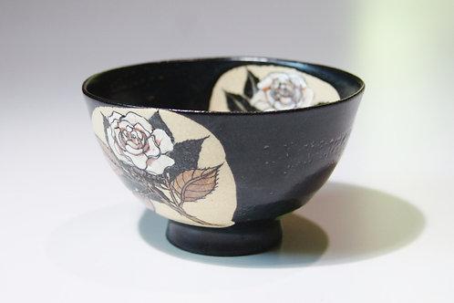 黒釉碗 薔薇