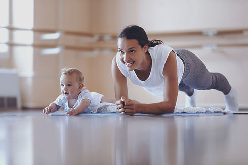 Athletic%252520mother%252520exercising%2
