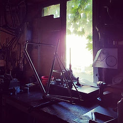 Morning vibs in the workshop, light and
