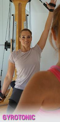 Silvia Digla trainiert damit auf einzigartige Weise mit dir deine Kraft, Flexibilität, Koordination und Körperwahrnehmung