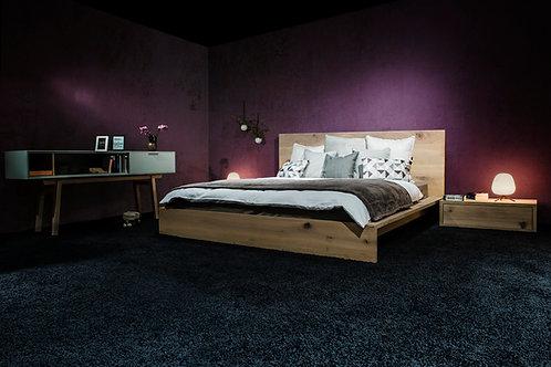 Bett inkl. 2 Nachttische in Astteiche, massiv