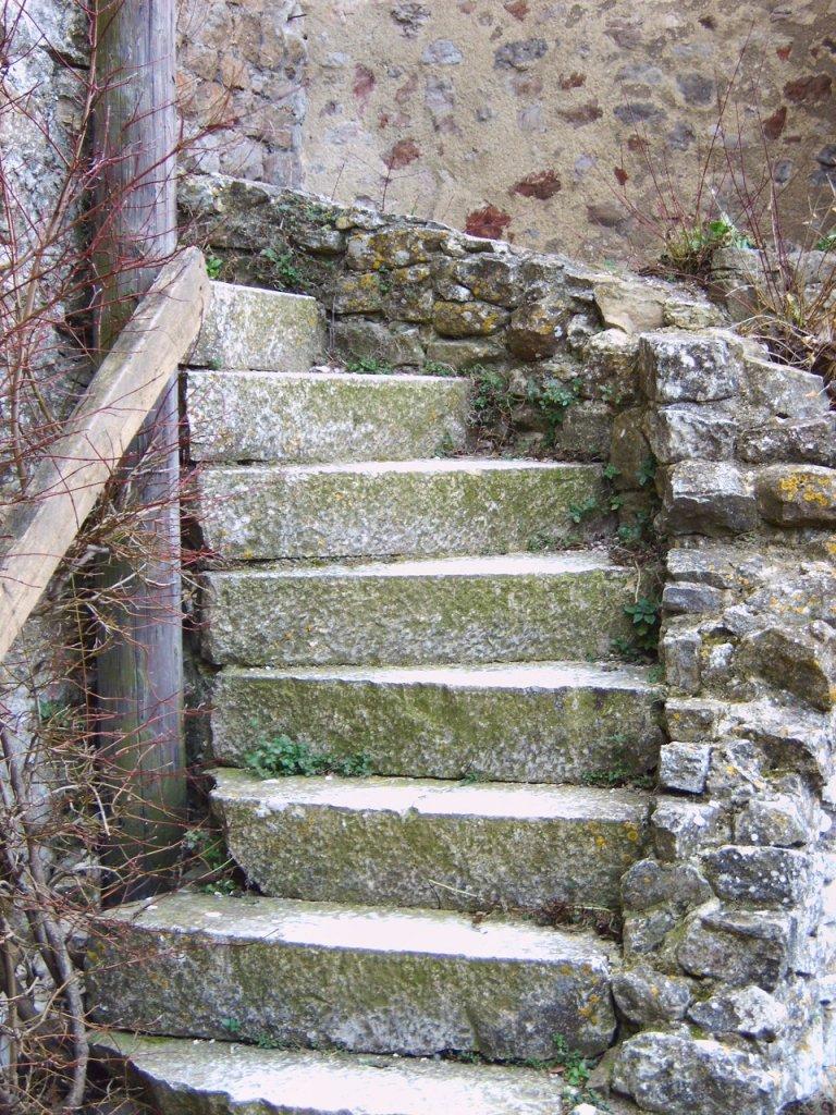 L'escalier de la basse fosse