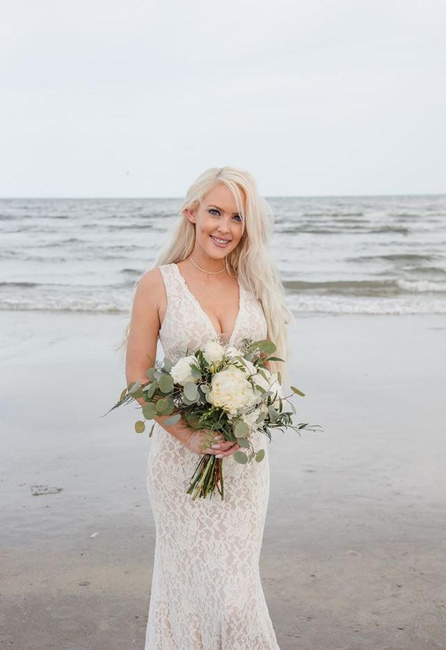 Amber bridal bqt.jpg