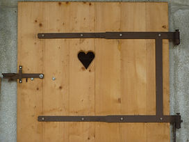 2012 kleinere Holzbauten und Metallarbeiten mit Charme