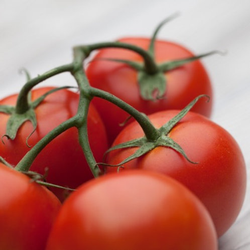 Tomatoes, On The Vine (Lb)