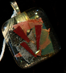 glass pendant 5.jpg