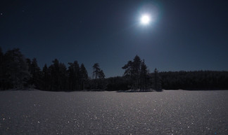 Pause photo un soir où il était censé y avoir des aurores ! Peut importe, la nature donne toujours quelque chose de beau à voir !