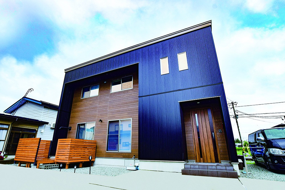 山形県 米沢市 廣居建設 注文住宅 新築 豪雪地帯 外壁 木目