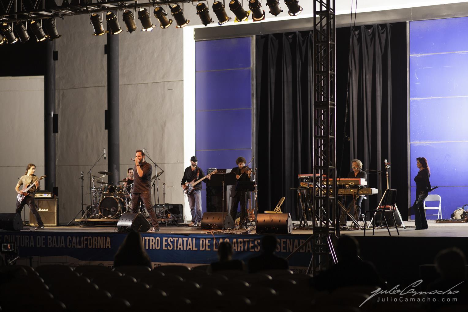 2014-10-30 31 CAST TOUR Ensenada y Tijuana - 0928 - www.Juli (Copy).jpg