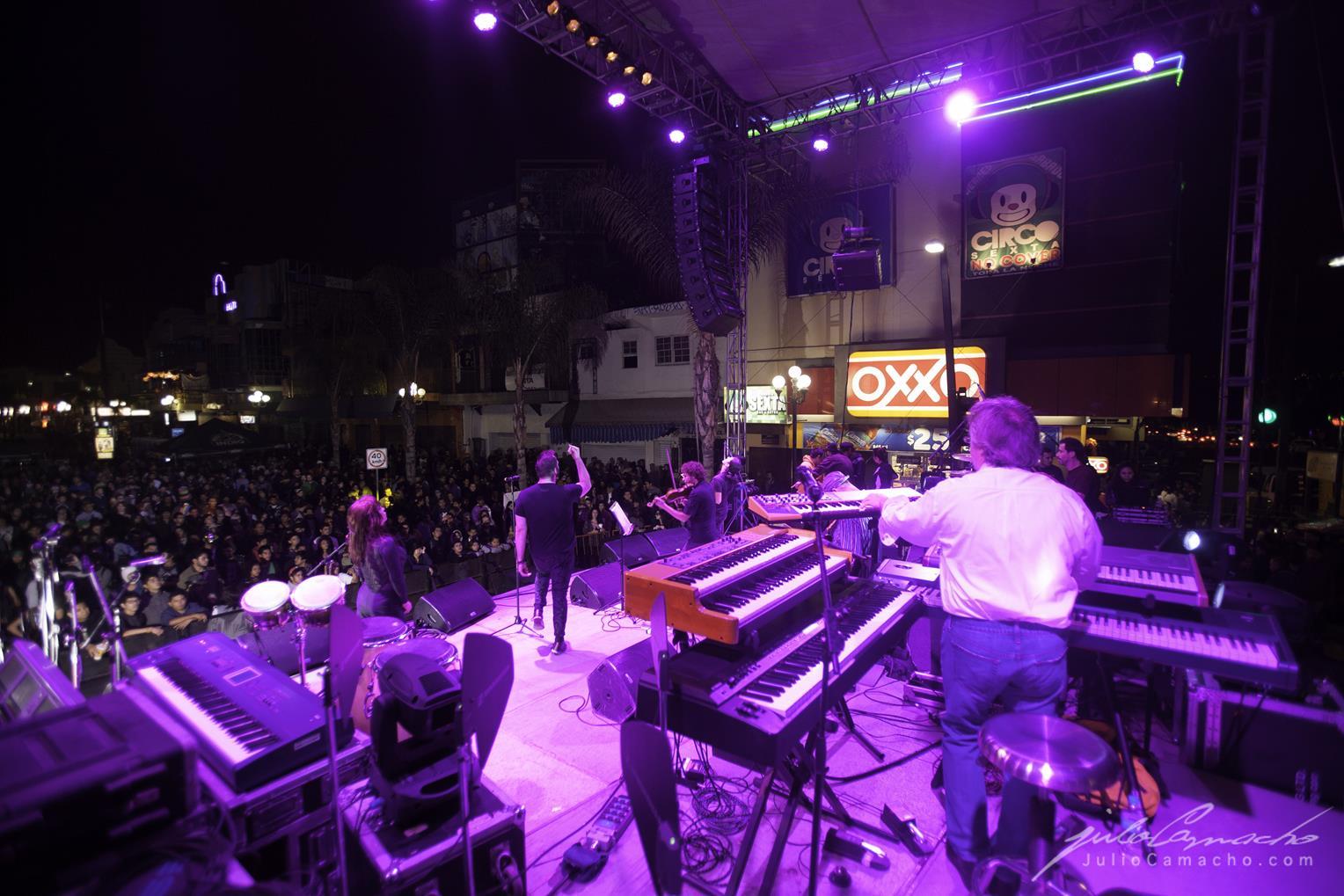 2014-10-30 31 CAST TOUR Ensenada y Tijuana - 1710 - www.Juli (Copy).jpg