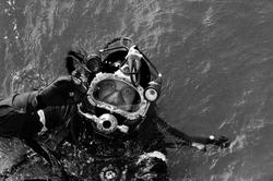 Commerical diver- blck