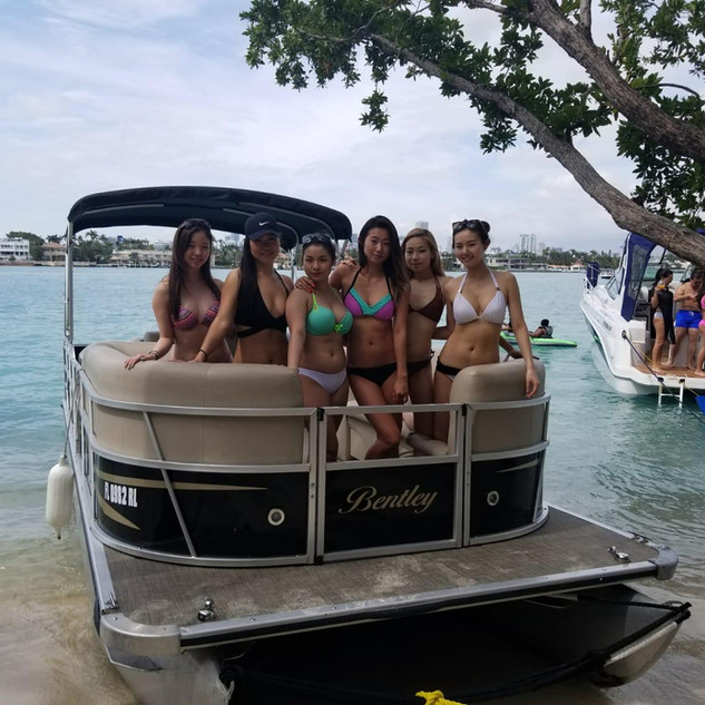 Miami  boat party.jpg