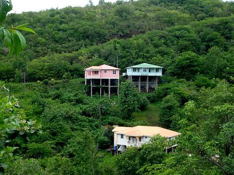 Stabhäuser auf Dominica