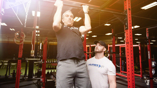 Humes Performance Man Doing a Pull-Up