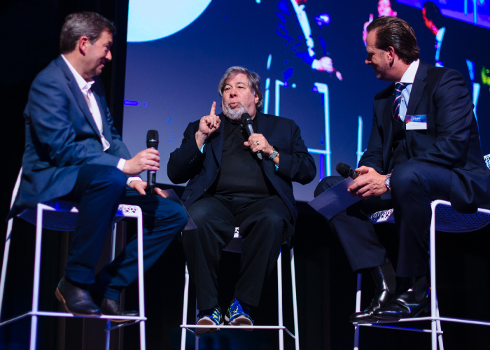Woz takes the stage