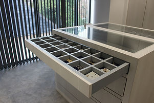 Jewellery display cabinet + storage.JPG