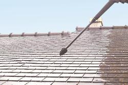 Nettoyage mousse des toits
