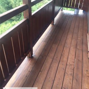 Entretiendes balcons en bois
