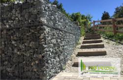 Rampe d'escaliers rustique à Vercoron
