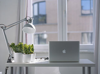 silver-macbook-air-and-goose-neck-lamp-9
