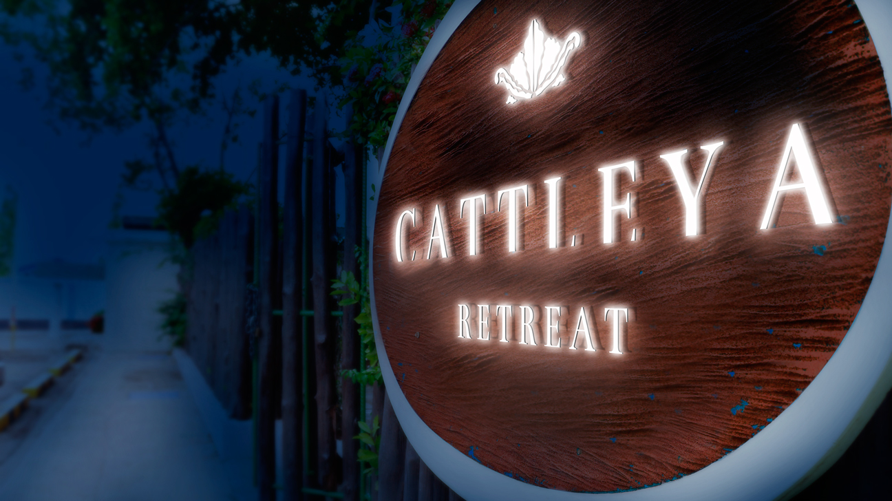 Cattleya_retreat-sign_night