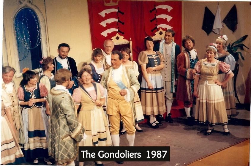 Gondoliers%2087_edited.jpg