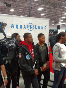 Young BGCC divers with Experienced Divers[11496].jpg