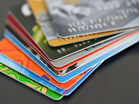 HOW TO CHOOSE CREDIT CARDS WISELY