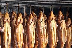 Saumon en entier fumé à chaud au bois d'aulne