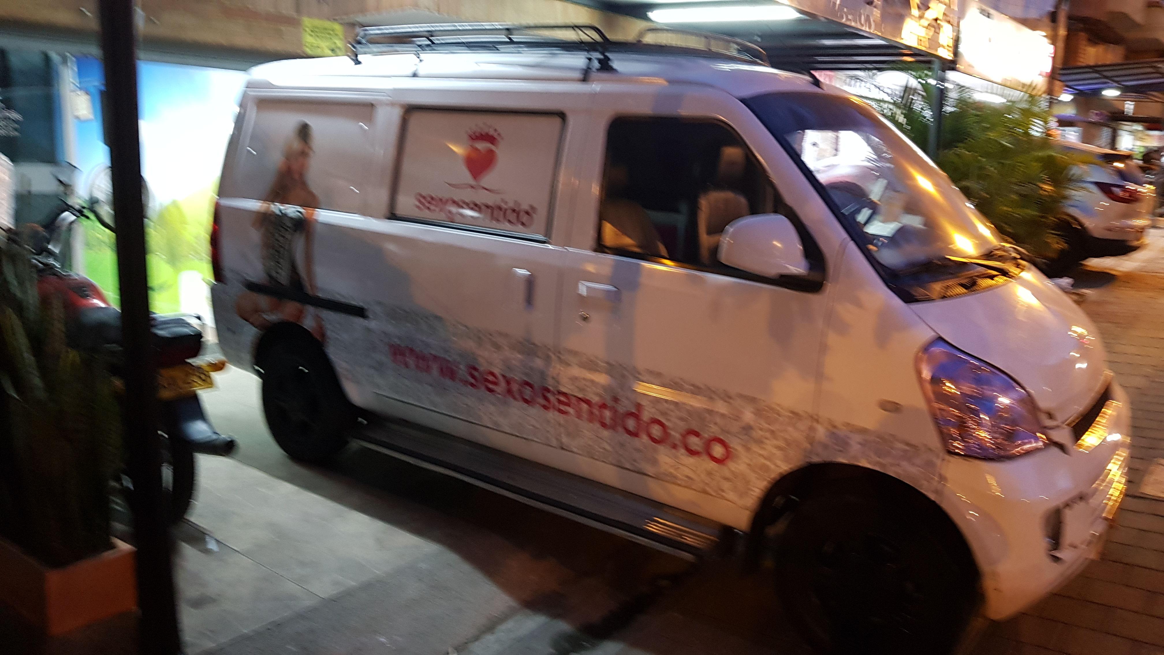 Branding Vehicular