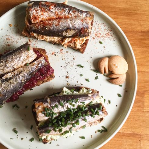 Garlicky Toasts with Sardines