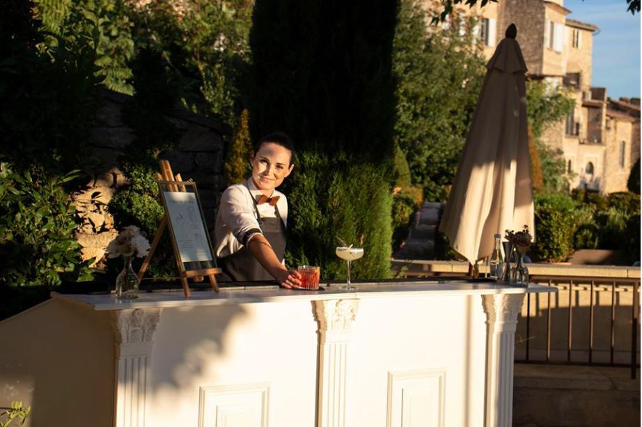 bar cocktail moulures