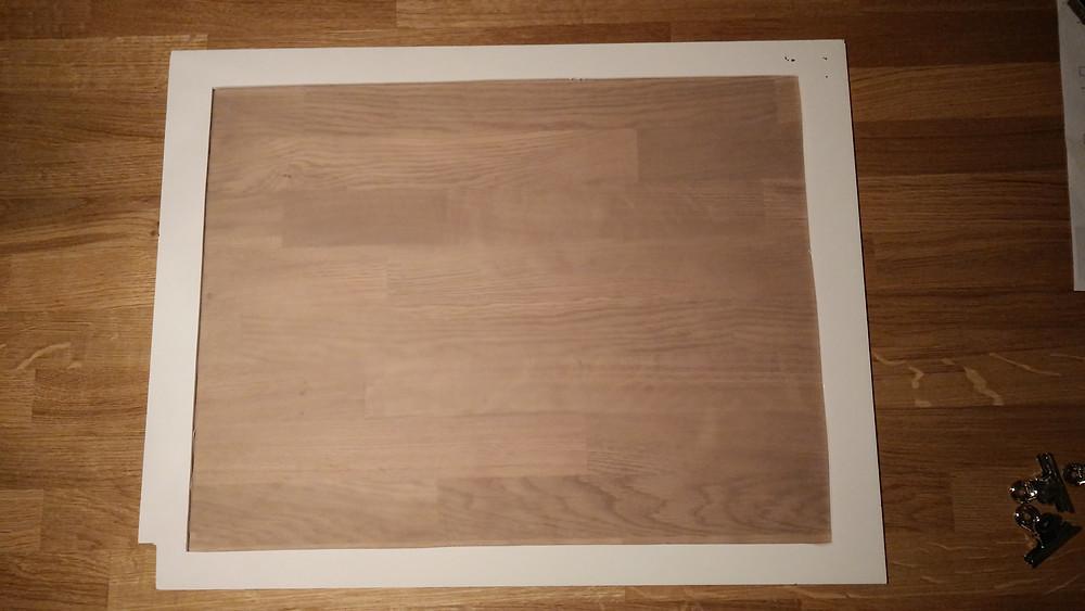 cadre de largeur 15 cm et feuille de claque collée