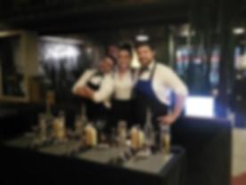 l'équipe de barman atelier cocktail