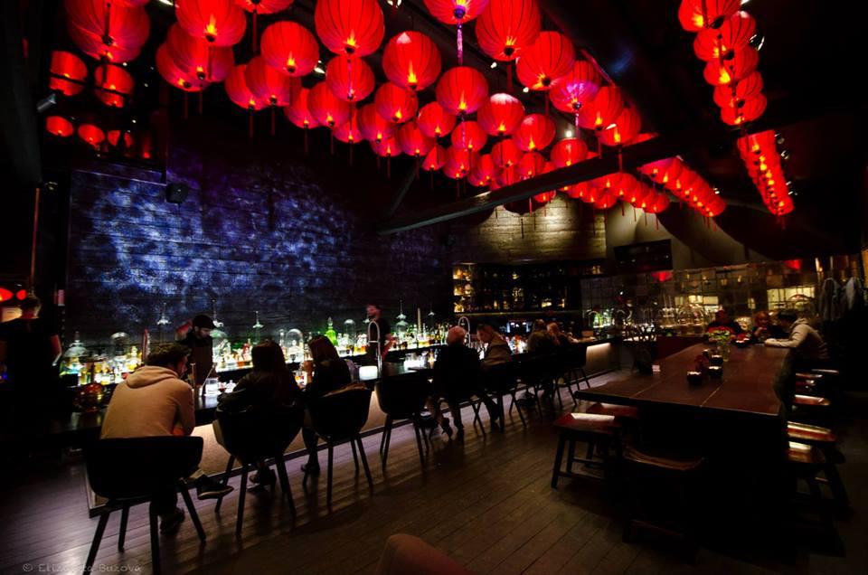 bar a cocktail asiatique