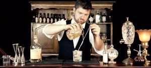 mixologue / flair bartender