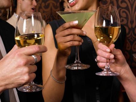Buvez plus, pour gagner plus ! Voilà comment augmenter votre salaire.