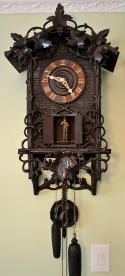 Grape Leaf Wehrle Clock