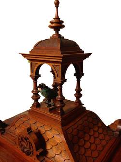 Roy's Singing bird clock top