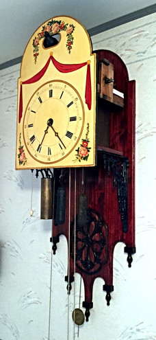 Black Forest Blackbird clock Side View_e