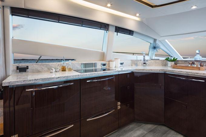 L590-Kitchen.jpg