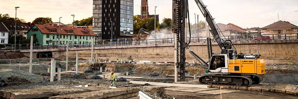 liebherr-lrh-100-concrete-pile-driving-1