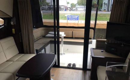 SD400-Lounge.jpg