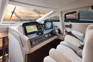 L590-Cockpit.jpg