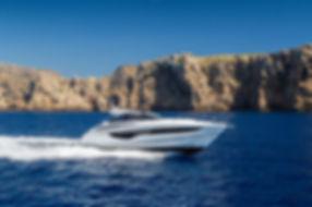v40-exterior-white-hull-1a.jpg